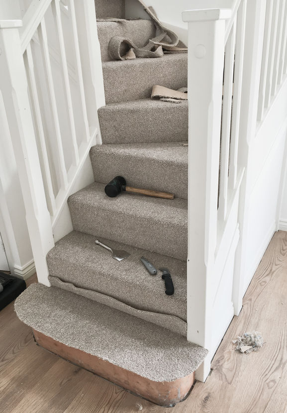 How To Lay Carpet On Stairs And Landing Lt Flooring